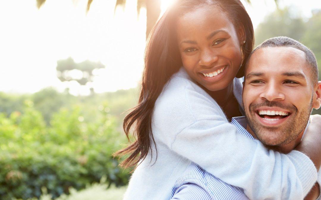 Krankenversicherung für Implantate und Zahnersatz